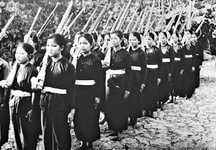 Những người phụ nữ Việt Nam anh dũng, kiên trung